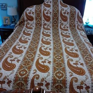 Vintage 1960s Double Bed Coverlet Paisley